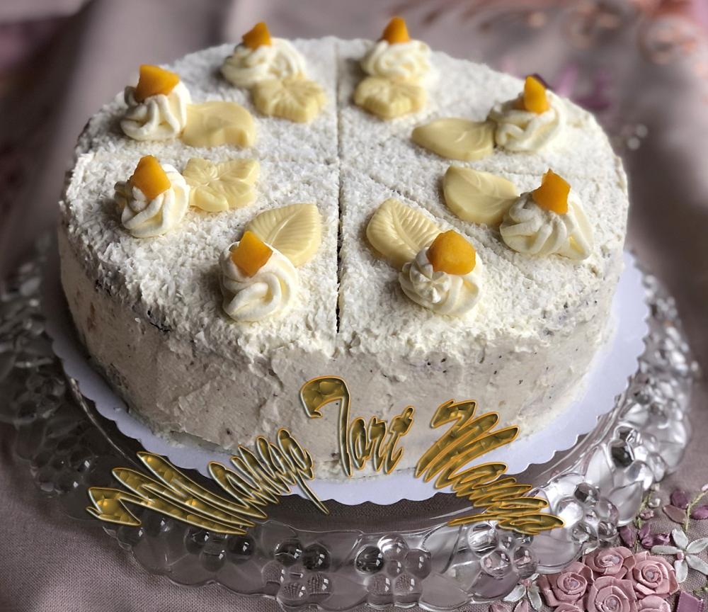 tort z mango i bitą śmietaną