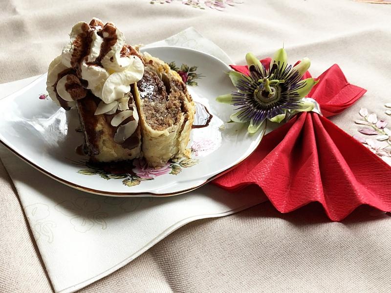 ciasto francuskie z masa orzechowo-czekoladowa