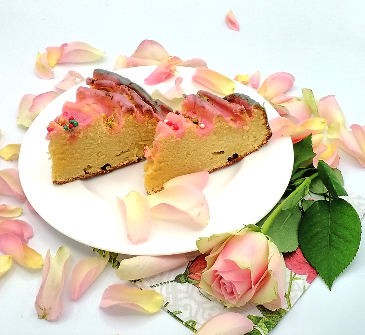 ciasto krecone z marcepanem i lukrem z Ouzo