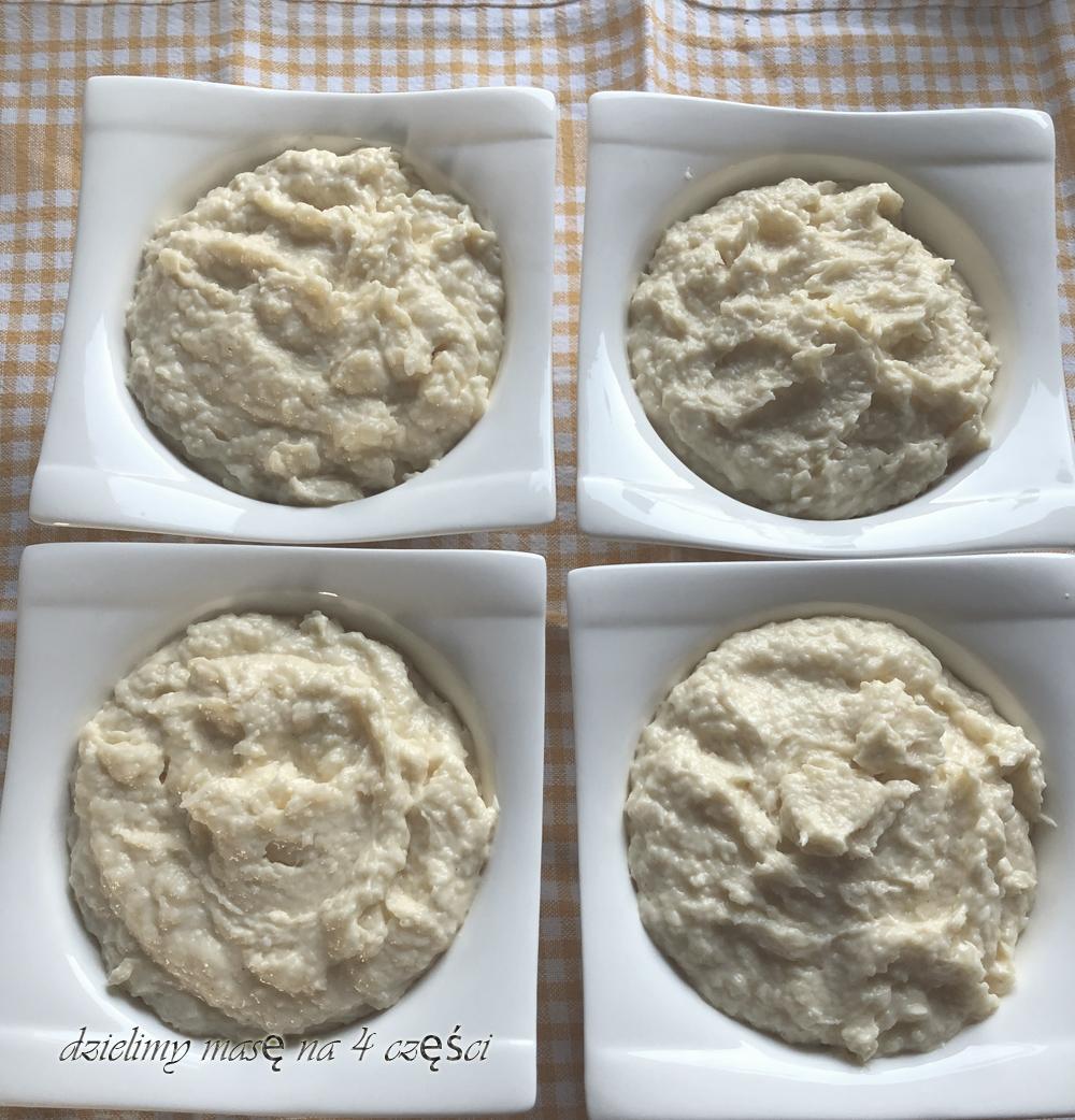 masa do tortu herbatnikowego rozłożona w równych miseczkach