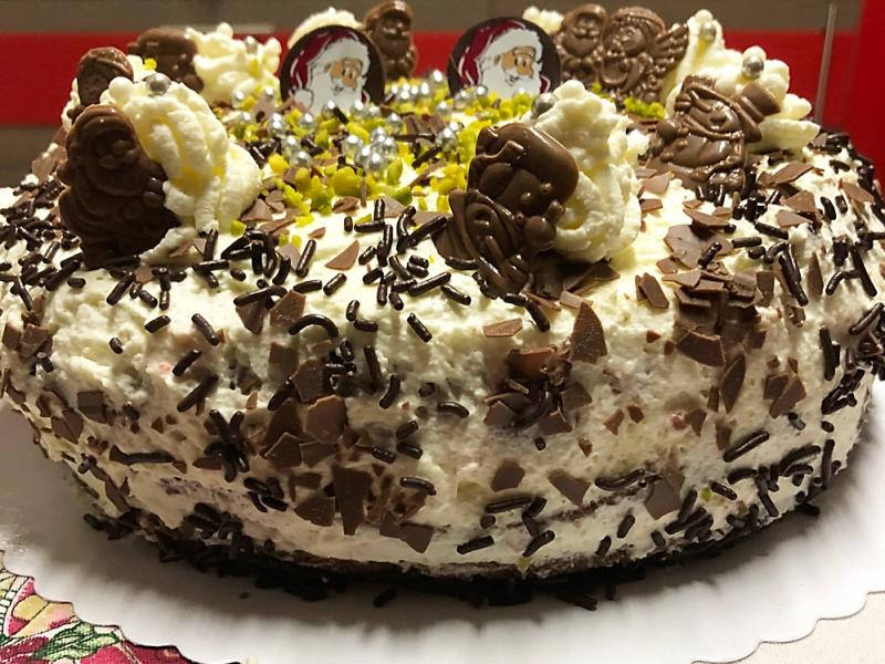 Tort z bakaliową masą