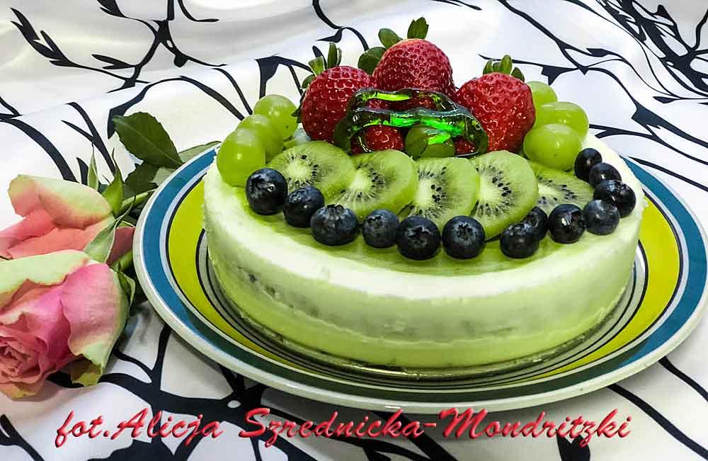 Matscha-Mousse-Tort