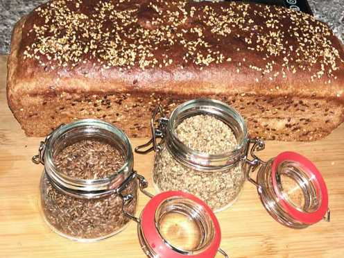 Chleb z mąki orkiszowej pełnoziarnistej