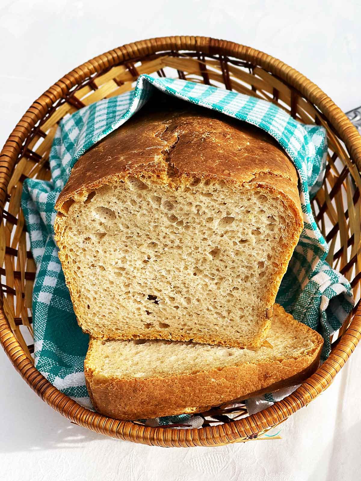 Chrupiący chleb z mąką duru