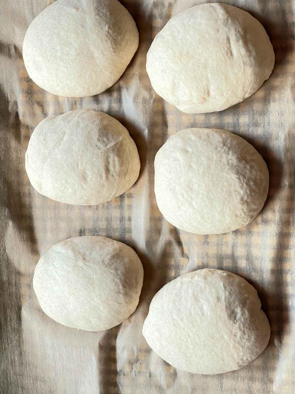 bułeczki dla śpiochów przygotowane do pieczenia