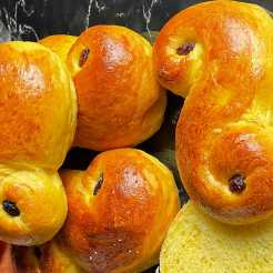 Lussekatten-szwedzkie-bułeczki