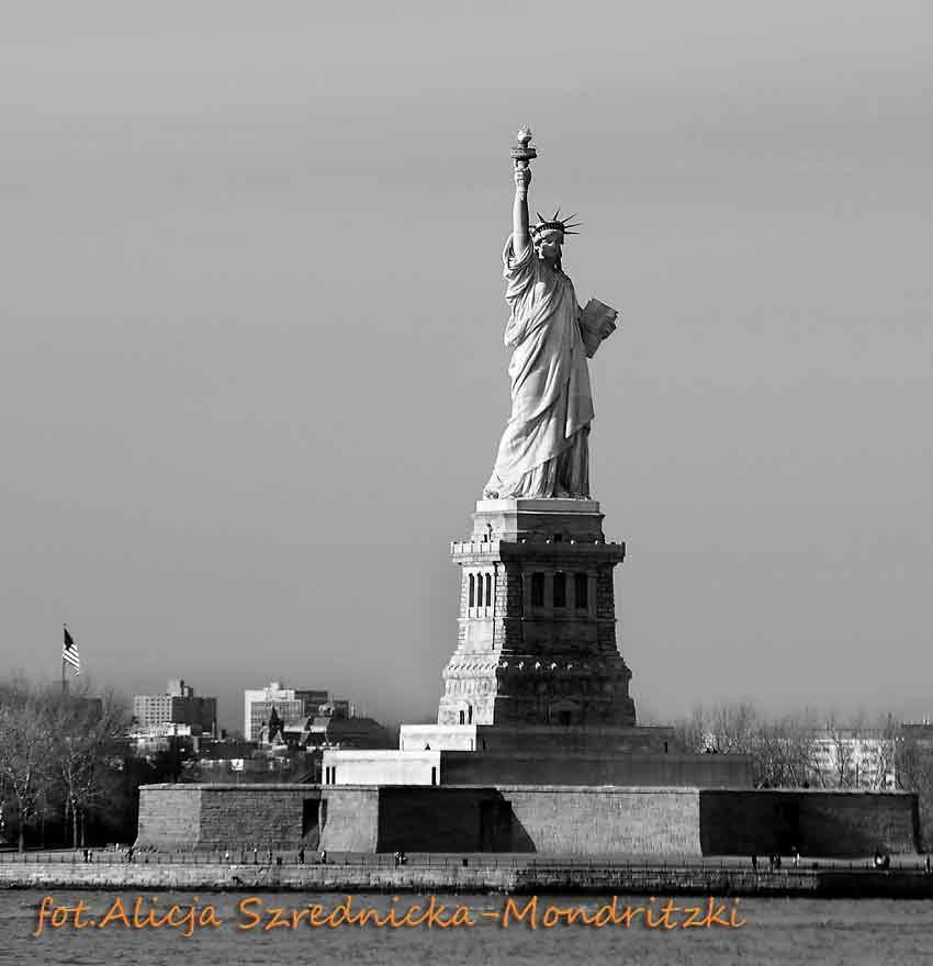 statue-of-liberty-da0e8d0f-e487-486f-b7fd-3e5406af4803