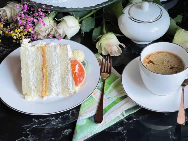 Białe ciasto, White cake jako tort
