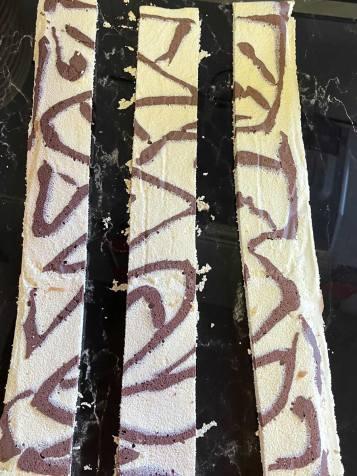 ciasto dekoracyjne do tortu truskawkowego z Mousse i lustrem