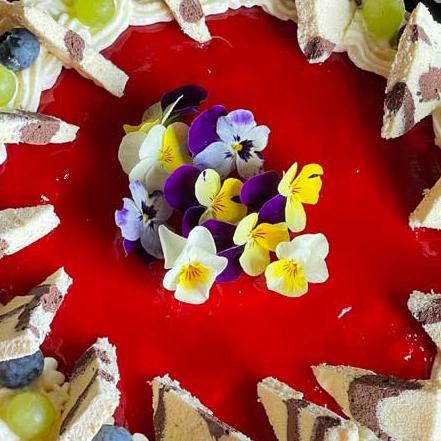 truskawkowe lustro tortu