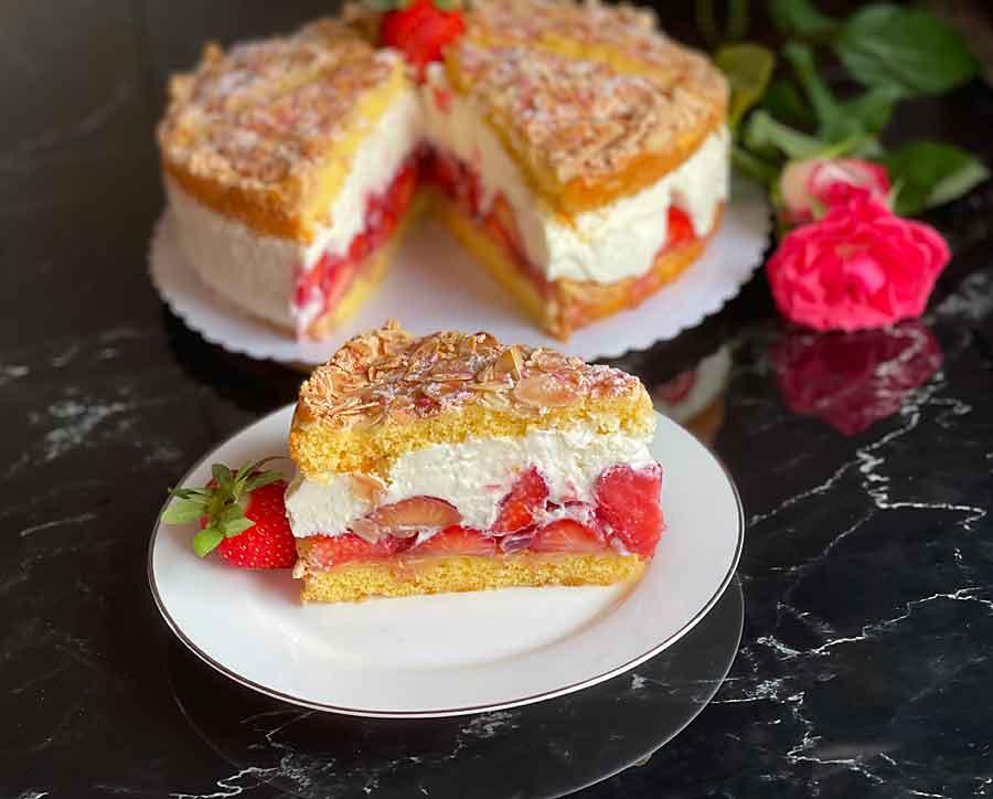 Tort truskawkowy z mascarpone