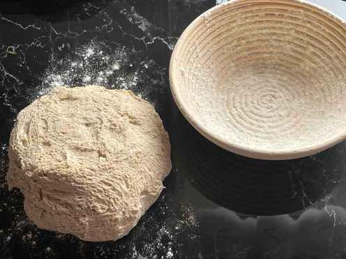 ciasto na chleb ze Skyrem i Pasta Madre