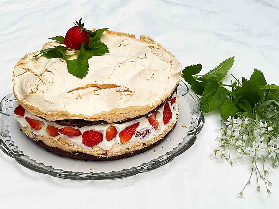 Tort czekoladowo-truskawkowe gruzy