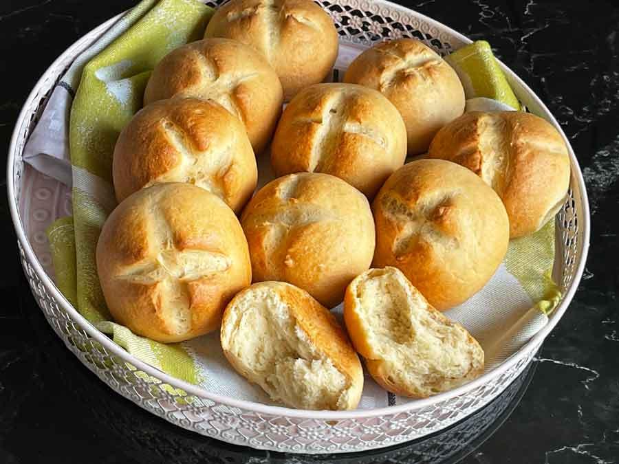 Bułeczki szwajcarskie z mąki chałkowej