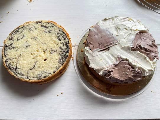 ciasto przekładamy kremem